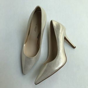 Nine West Jackpot Gold Pearl Pointed Toe Heel